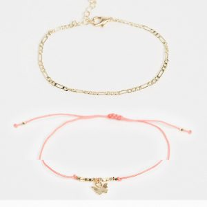 ASOS DESIGN Curve - Guldfärgade armband med fjärilsberlock, 2-pack