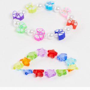 ASOS DESIGN - Stretchiga armband med stjärn- och fjärilsformade plastpärlor, 2-pack-Flera